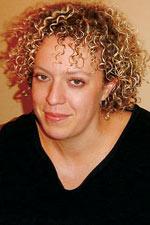 Karina Goma: l'intello et la pro de la cosméto