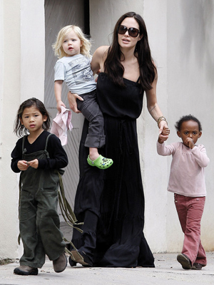 Angelina Jolie avec enfants