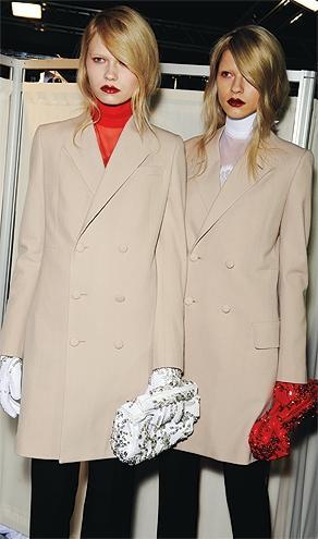 look classic coat intro