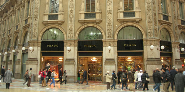 viree shopping milan prada