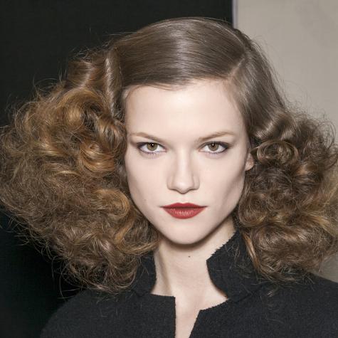 Tendances cheveux automne-hiver 2013-2014: les boucles