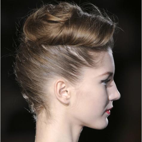 Tendances cheveux automne-hiver 2013-2014: le chignon