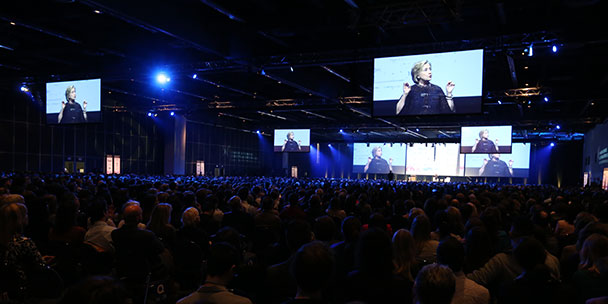 hillary-cliton-conference-montreal