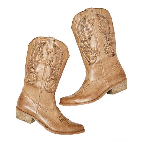 Mariage à la campagne: les bottes de cowboy