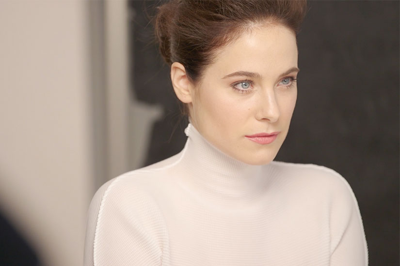caroline-dhavernas-video
