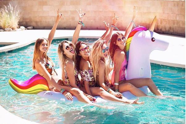 Un pool party réussi!