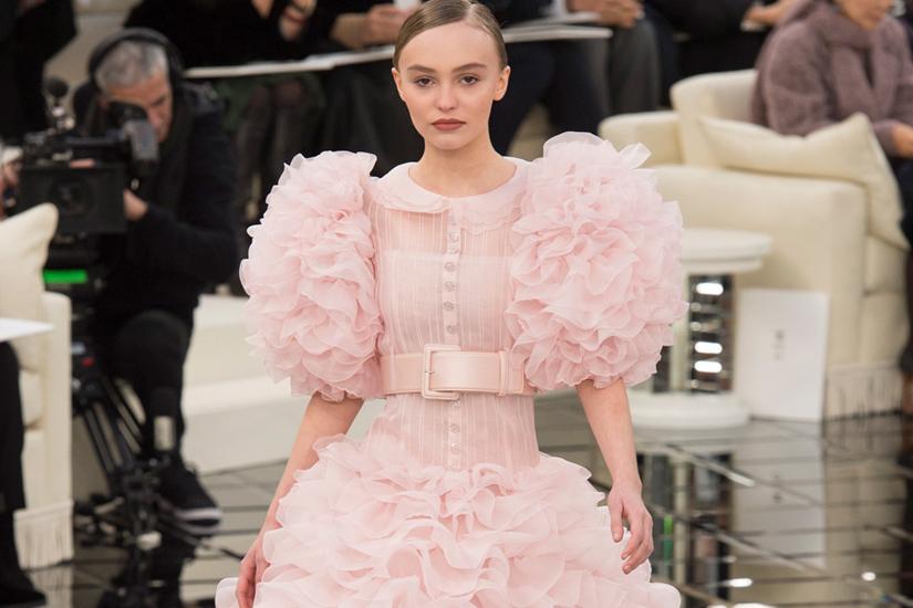 defile-chanel-haute-couture-printemps-2017-lily-rose-depp