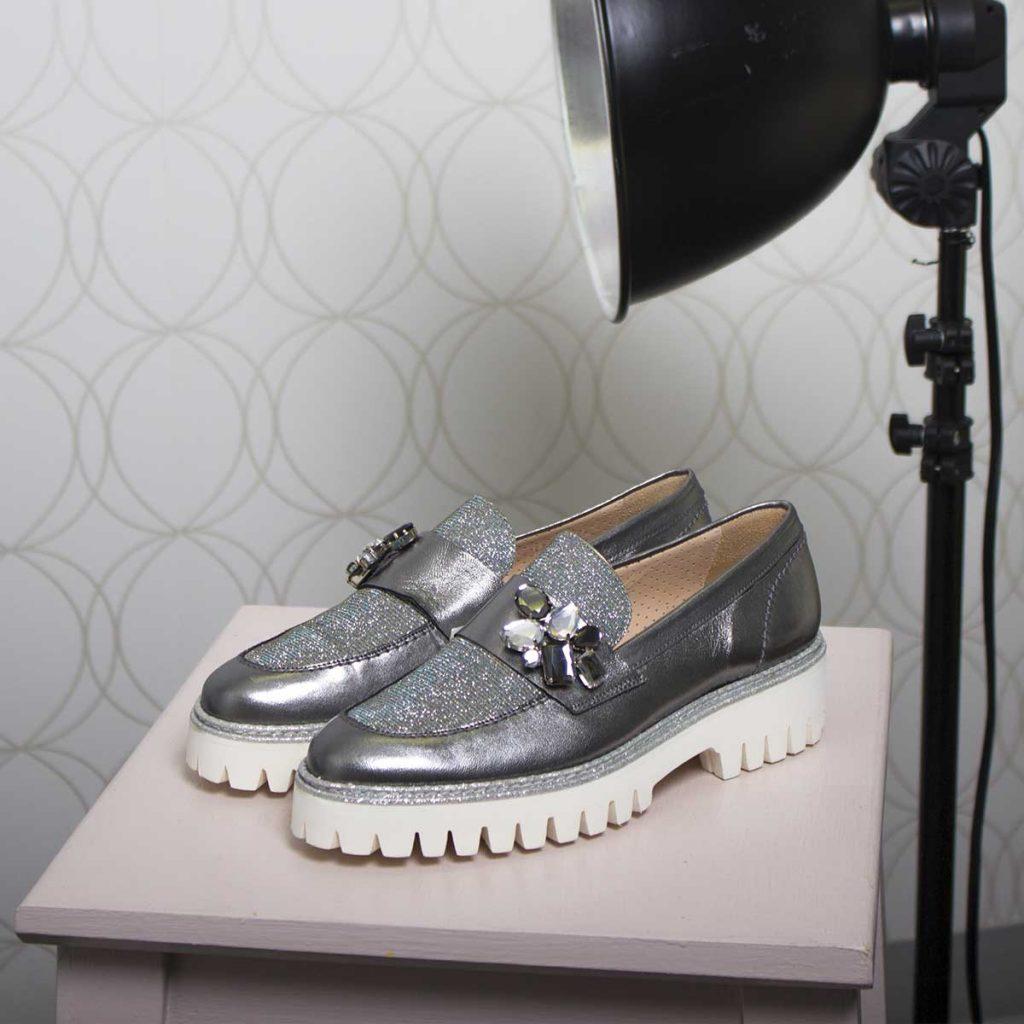 Chaussures ornées de pierres