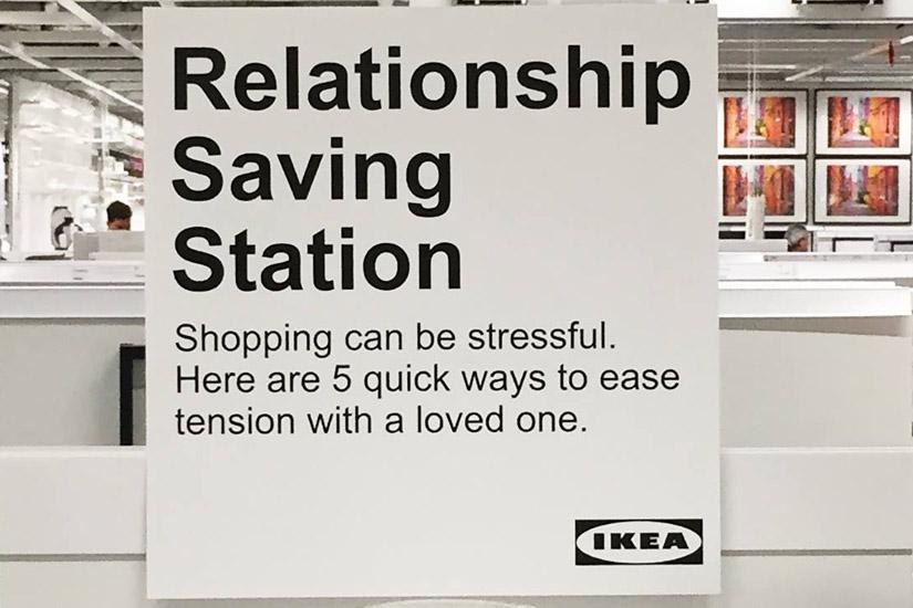 un-stand-pour-sauver-son-couple-chez-ikea-2