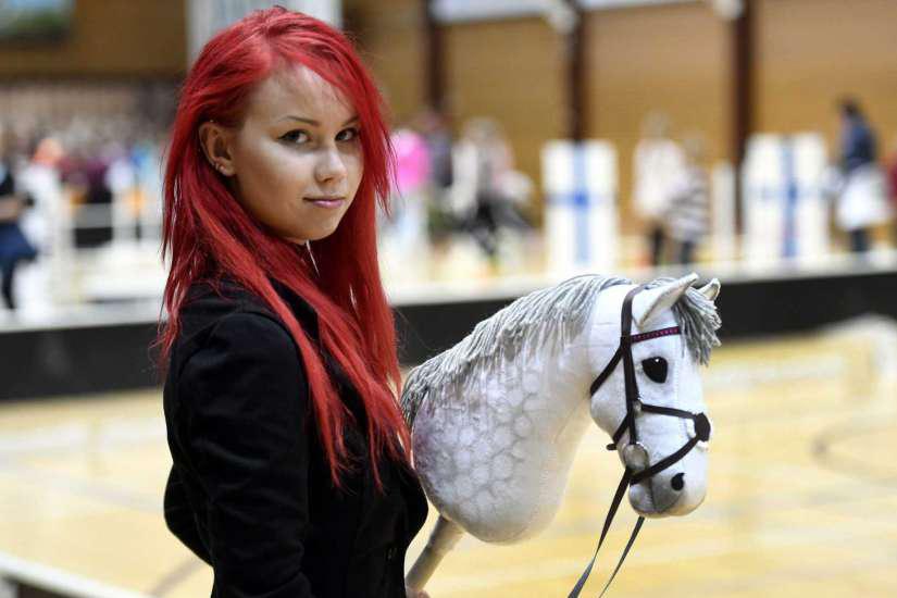 Le hobby horsing: un sport qui fait jaser