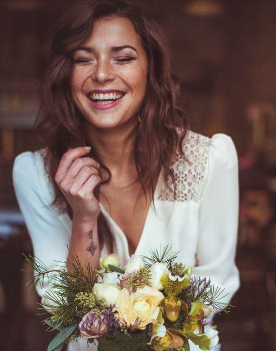 Coiffure de mariage: les cheveux au naturel