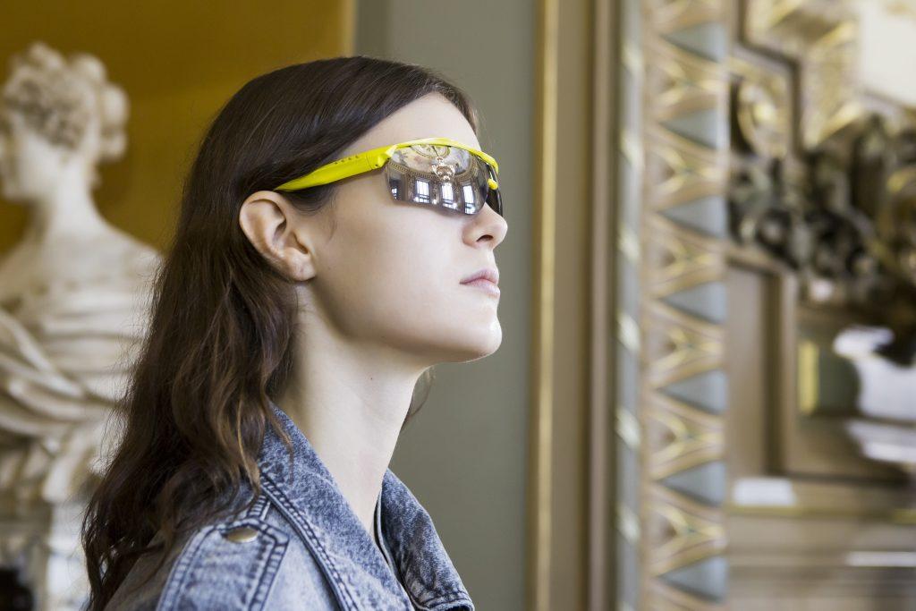 #ELLEWALKIN: 4 conseils pour bien choisir ses lunettes de soleil