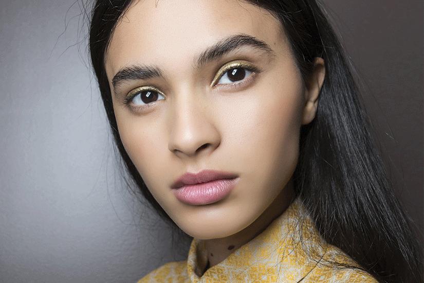 8 façons dont votre style de vie peut affecter votre peau
