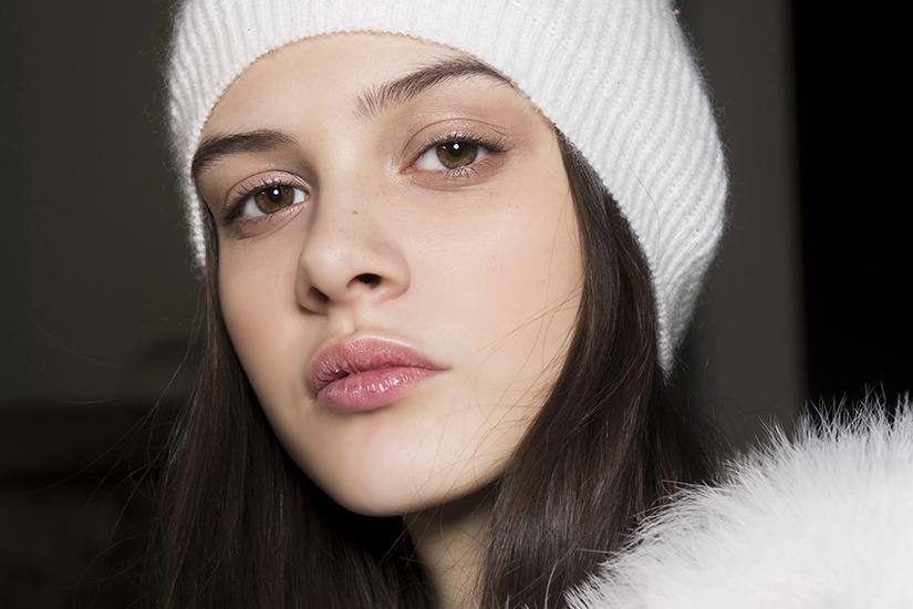 5 astuces pour avoir des cheveux en santé pendant l'hiver