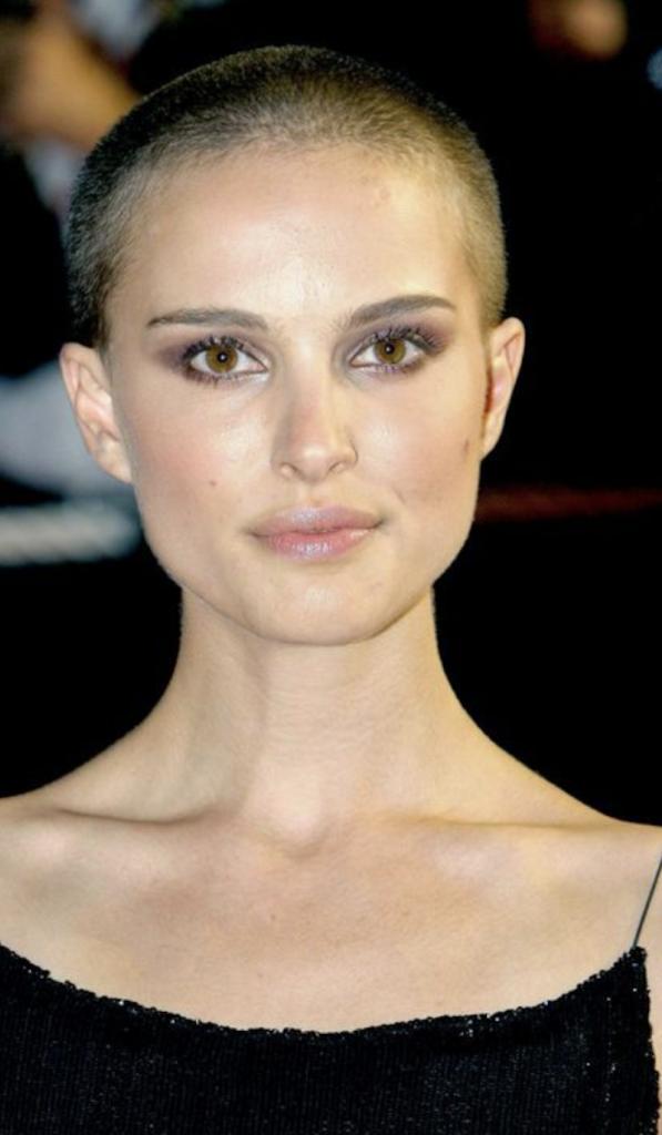 10 femmes qui se sont rasé les cheveux