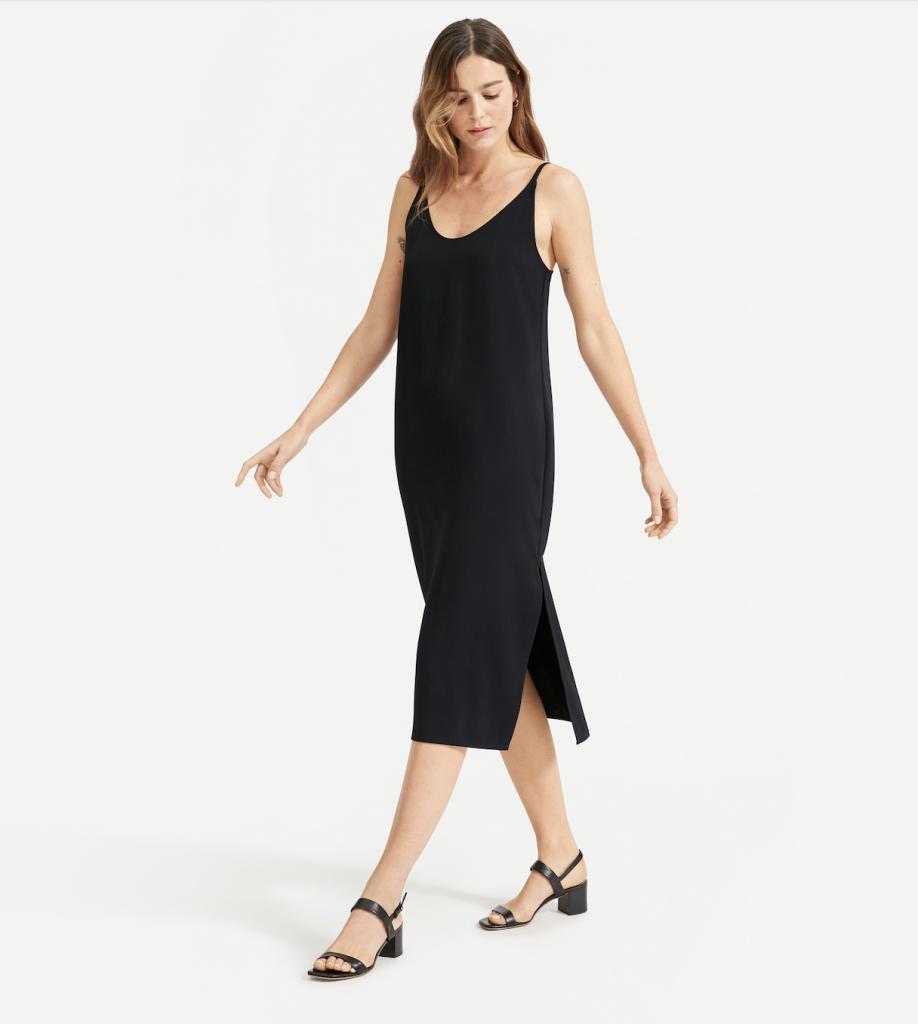 Shopping: la robe midi, pièce indispensable de l'été 2021