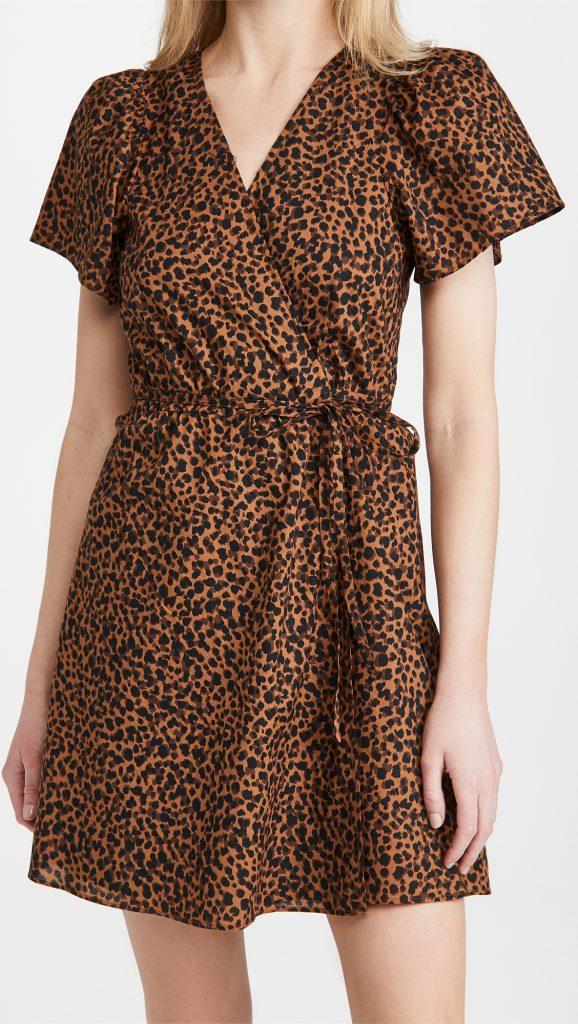 Shopping mode: la robe portefeuille, notre envie de l'été 2021